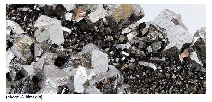 Research dispels misconception of superconductivity in niobium compound